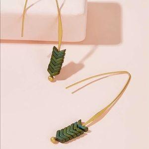 Jewelry - Leaf 🍃 Decor Drop Earrings